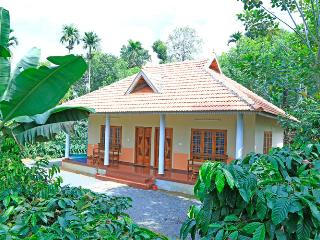 2 bedroom Cottage with Internet Access in Wayanad - Wayanad vacation rentals