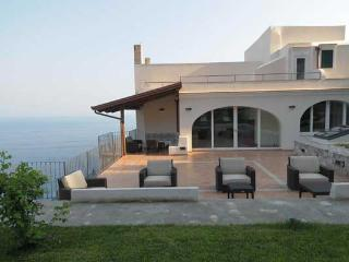 12 bedroom House with Internet Access in Amalfi - Amalfi vacation rentals