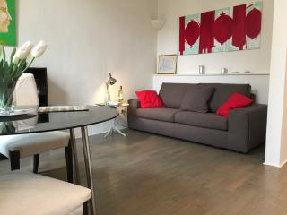 Bella Vita Cozy apartment with modern interior - Florence vacation rentals