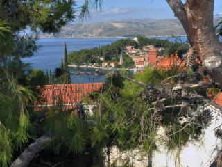 Perfect 3 bedroom Cavtat Condo with Internet Access - Cavtat vacation rentals