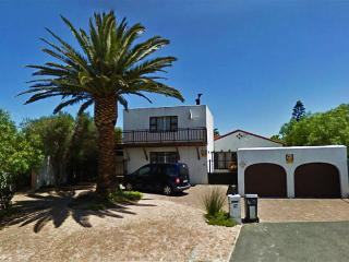 MY AFRICA HOME Cape Town villa, s.pool & garden - Table View vacation rentals