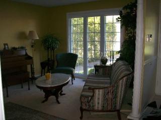 Fully furnished 3 bedroom condo - Ottawa vacation rentals