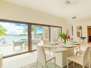 WILD ORCHID LUXURY RENTAL 3bd Placencia - Placencia vacation rentals