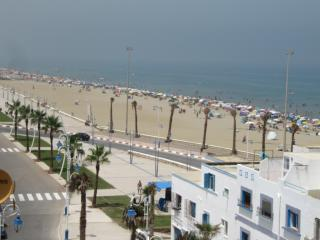 2 bedroom Apartment with Long Term Rentals Allowed (over 1 Month) in Martil - Martil vacation rentals