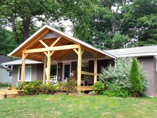 Updated, Lake View & Sidewalks to  Black Mountain! - Black Mountain vacation rentals