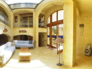 Ta' Peppi - Beautifully Converted Farmhouse - Gharb vacation rentals