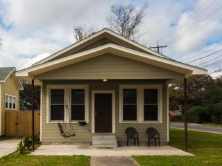 Cozy 2 bedroom House in Lafayette - Lafayette vacation rentals