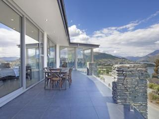 ASPEN HOUSE, Queenstown - Contemporary Hotels - Artarmon vacation rentals
