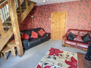 KINGSLEY VIEW,  inflatable hot tub, pet-friendly, fantastic base for exploring, in Kingsley, Leek, Ref 931351 - Leek vacation rentals