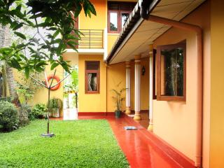 Lovely 4 bedroom Weligama House with Television - Weligama vacation rentals