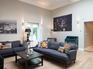 Nice Condo with Dishwasher and Central Heating - The Hague vacation rentals