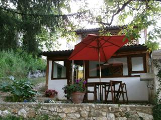 Cozy 3 bedroom Villa in Belmonte in Sabina with Central Heating - Belmonte in Sabina vacation rentals