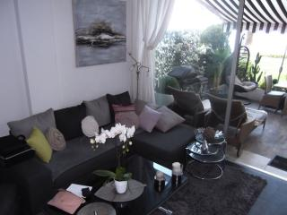Lovely Condo with Internet Access and Washing Machine - La Bocca vacation rentals