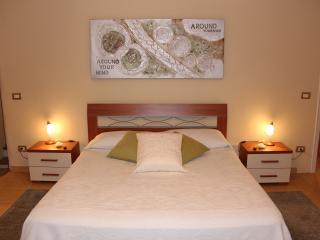 """Suite Matrimoniale """"Bollicine di..."""" - Casale Monferrato vacation rentals"""