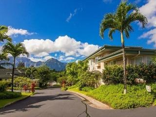Elegant gated community, mountain/golf course views, easy to beach/shopping - Princeville vacation rentals