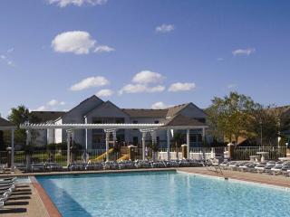 Wyndham Kingsgate: 2-BR, Sleeps 6, Full Kitchen - Williamsburg vacation rentals