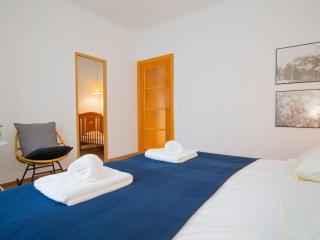 3 Bedrooms Apartment Casa Lepant - Sagrada Familia - Barcelona vacation rentals