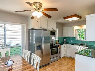 Newly Remodeled 3BR Waterfront Home in Rockport - World vacation rentals