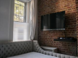 Well Designed and Located Carroll Gardens Studio - Brooklyn vacation rentals