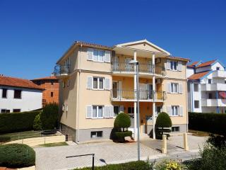 App. Grego 4+2 - Medulin vacation rentals