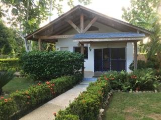 Nice Bungalow with Private Outdoor Pool and Parking Space - Magante vacation rentals