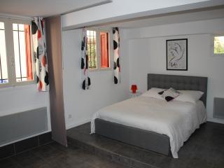 Studio 30 m² en rez de jardin - Collioure vacation rentals