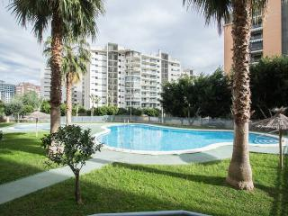 Beni - Wi-Fi, pool, pet friendly, private parking - Benidorm vacation rentals