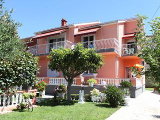 Bright 2 bedroom Zadar Condo with Long Term Rentals Allowed (over 1 Month) - Zadar vacation rentals