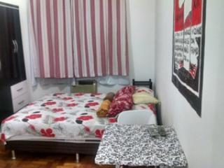 Studio Wi fi, A/C 1 quadra da praia Cod 909 - Rio de Janeiro vacation rentals