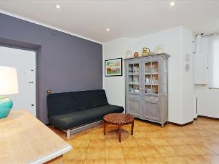 Bright and sunny 2bdr apt in Rome - Roma vacation rentals