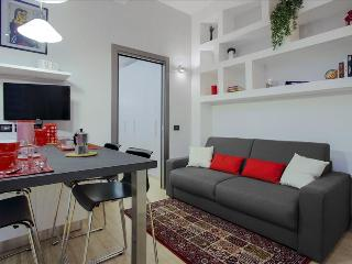 Bright 1bdr close to metro station - Milan vacation rentals
