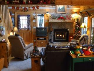 5 Star Rated Cozy Mountain Cabin - Sevierville vacation rentals