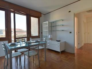 Sunny flat overlooking the old Bologna close to Ospedale Maggiore - Bologna vacation rentals