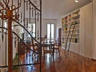 Charming 2bdr apt in city centre - Bologna vacation rentals
