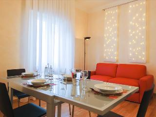 Spacious 1bdr in historical center - Bologna vacation rentals