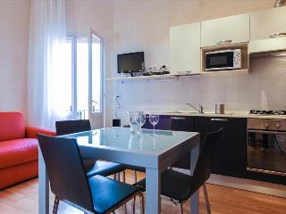 Modern, cozy 1bdr with balcony - Bologna vacation rentals