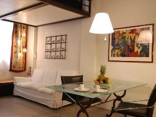 Modern 1bdr duplex apt in Bologna - Bologna vacation rentals