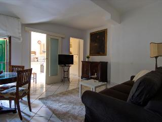 Lovely 1bdr apt in heart of Bologna - Bologna vacation rentals