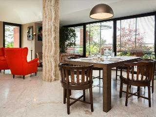 Bright Condo with Internet Access and Elevator Access - Milan vacation rentals