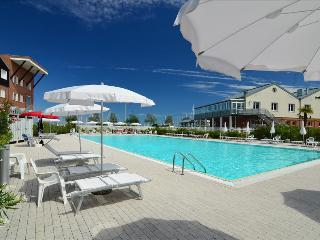 Gorgeous Condo with Internet Access and A/C - Marina di Ravenna vacation rentals
