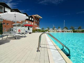 Elegant 2bdr apt w/shared pool - Marina di Ravenna vacation rentals