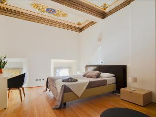Bargellini - Superb 2bdr apt in ancient palace Palazzo Banchi - Bologna vacation rentals