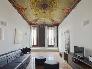 Luxury 3bdr apt in city center - Bologna vacation rentals