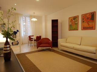 Elegant 1bdr with large terrace - Milan vacation rentals