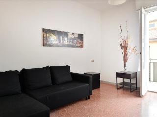 Spacious 1bdr close to the Fair - Bologna vacation rentals