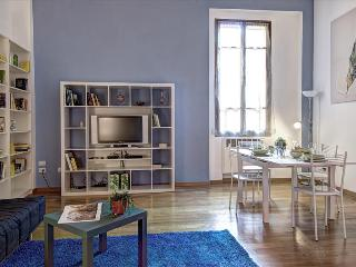 Nice 2 bedroom Bologna Condo with Central Heating - Bologna vacation rentals
