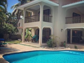 Charming House with Internet Access and A/C - Costambar vacation rentals