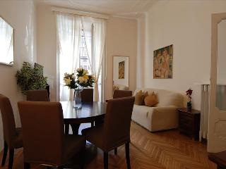 Quiet & bright 3bdr close to Duomo - Milan vacation rentals