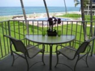 *Beautiful Beachfront Condo with Sunsets and Pool* - Waianae vacation rentals