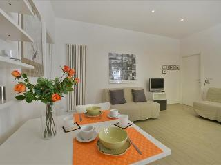 Charming 1bdr apt in city centre - Bologna vacation rentals
